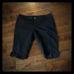 Lane Bryant Pants - Lane Bryant Size 24 Cotton Black Capris EUC
